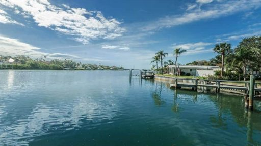 waterfront homes hillsborough county