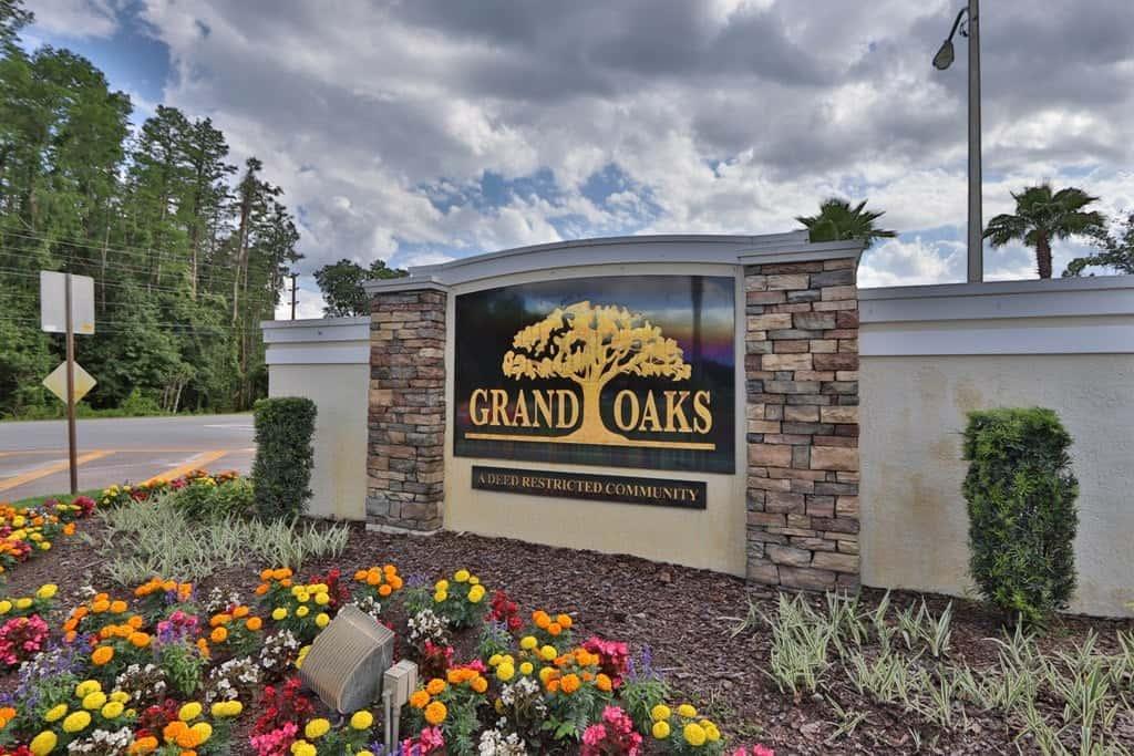 Grand Oaks Community