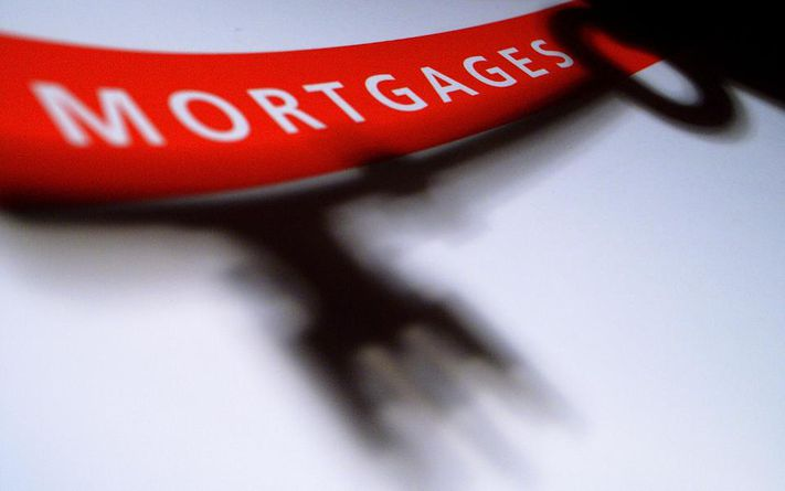 Rates On Mortgages Hold Steady