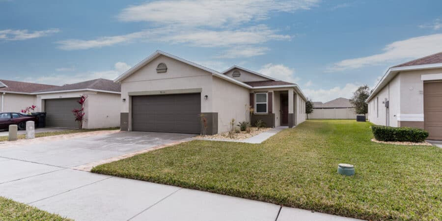 7033 Feather Wood DR Ruskin FL 33573