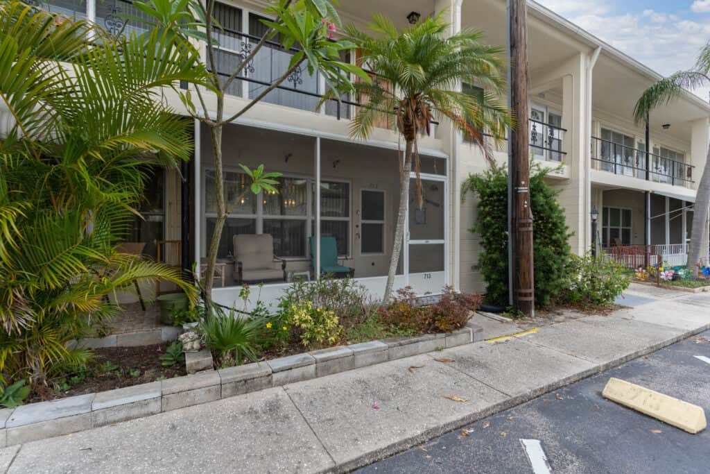4144 56TH Street N #713, Kenneth City, Florida 33709